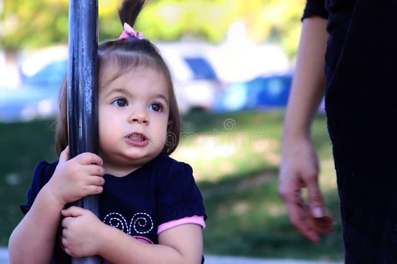 Download Ragazza Poco Gioco Della Sosta Fotografia Stock - Immagine di cute, molla: 7300868
