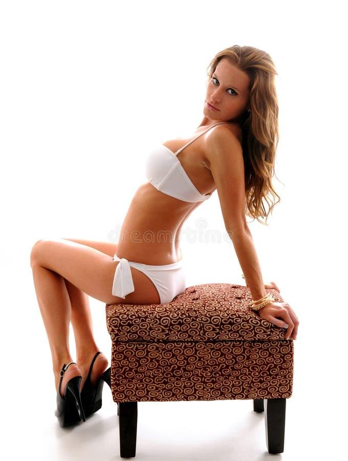 Ragazza sexy in bikini fotografia stock libera da diritti