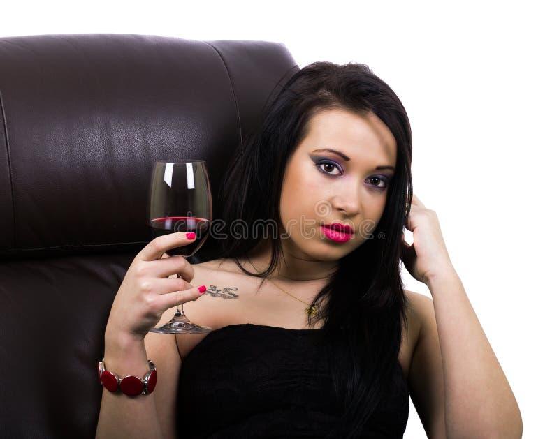 Ragazza sexy con un vetro di vino immagine stock