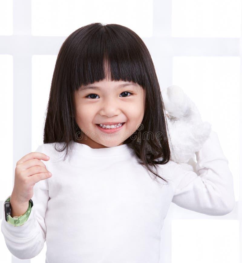 Download Ragazza sorridente fotografia stock. Immagine di capelli - 7320040