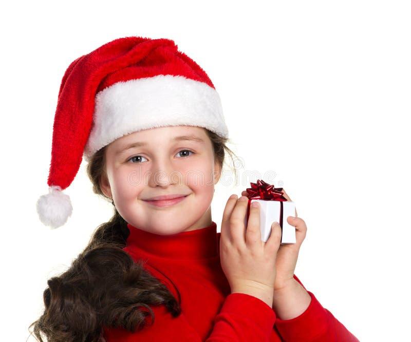 Ragazza sorridente con il contenitore di regalo fotografia stock libera da diritti