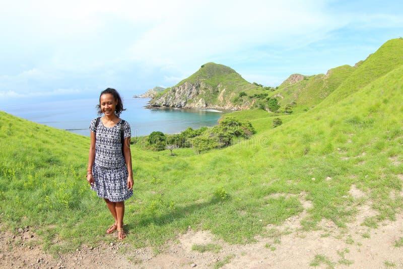 Ragazza sull'isola di Padar fotografia stock libera da diritti