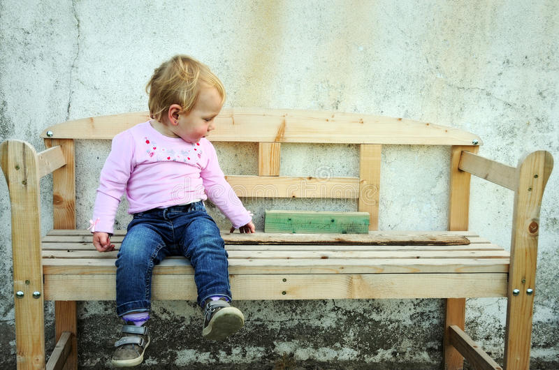 Ragazza sveglia del bambino fotografia stock