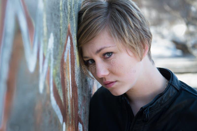 Ragazza teenager triste fotografia stock libera da diritti