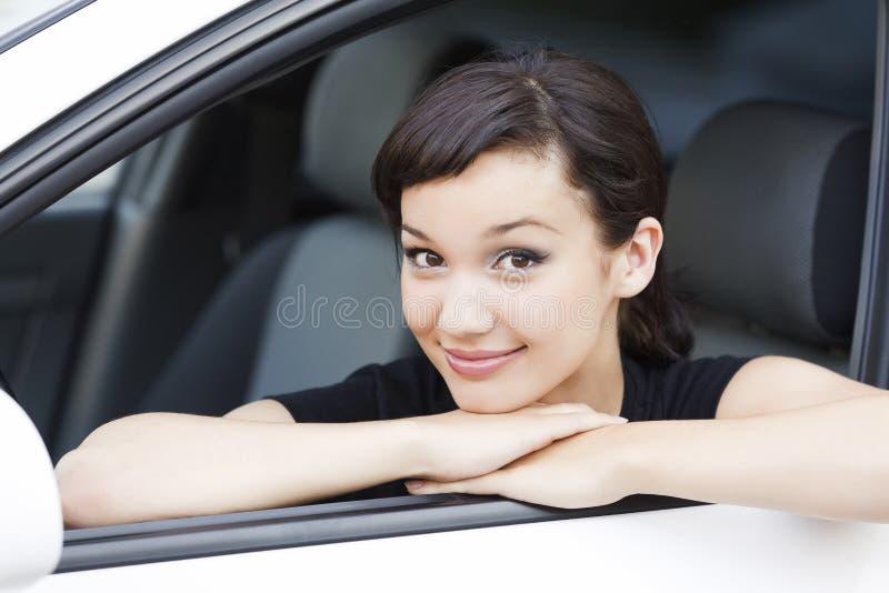 Ragazza in un'automobile fotografie stock libere da diritti