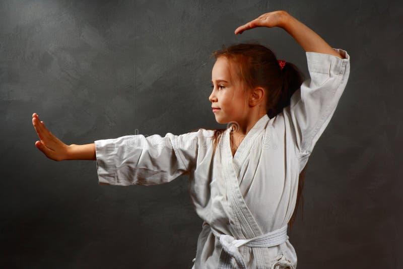 Ragazza in un kimono bianco fotografia stock