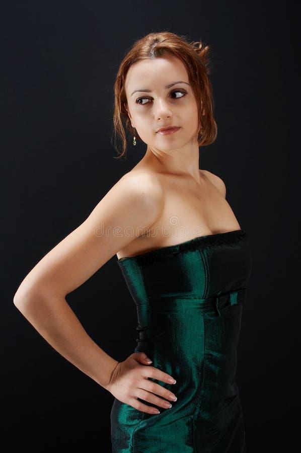 Ragazza in vestito verde immagine stock
