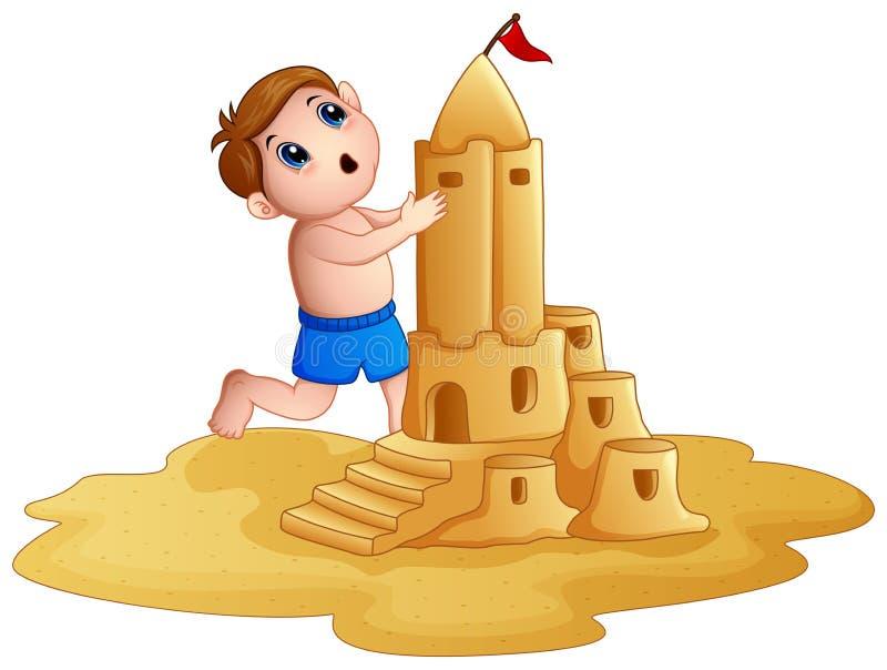 Ragazzino che fa un grande castello di sabbia alla spiaggia royalty illustrazione gratis