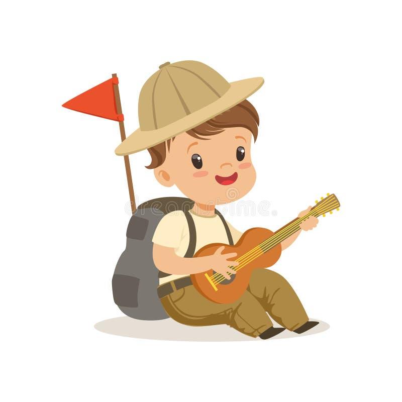Ragazzino sveglio in costume dell'esploratore che gioca chitarra, illustrazione all'aperto di vettore di attività del campo royalty illustrazione gratis