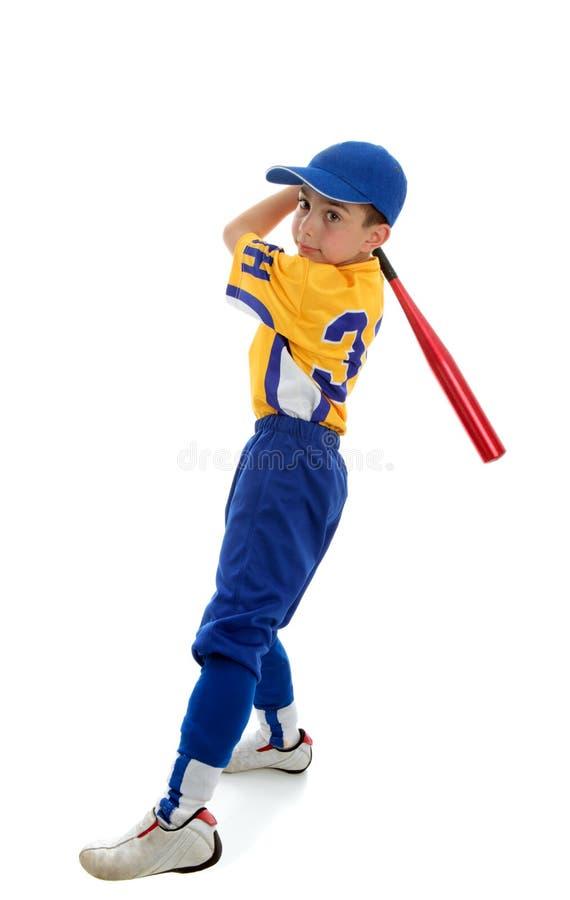 Ragazzo che gioca baseball o softball di sport fotografia stock