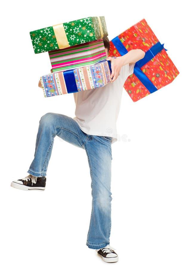 Ragazzo con il contenitore di regalo fotografia stock