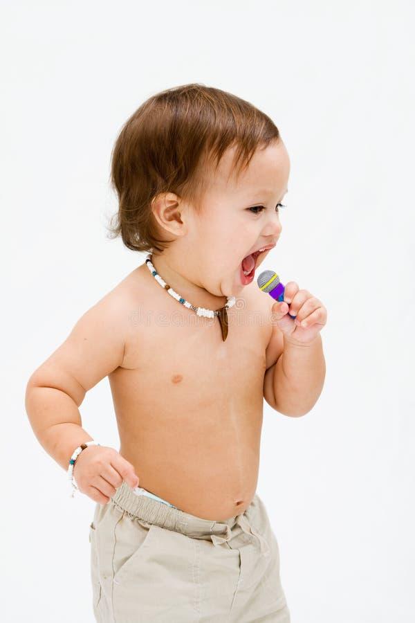 Ragazzo di canto del bambino fotografia stock libera da diritti