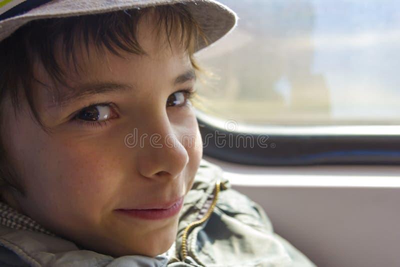 Ragazzo sorridente bello fotografia stock