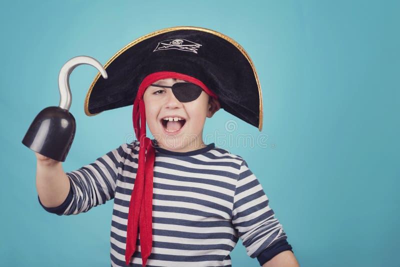 Ragazzo vestito come pirata immagine stock libera da diritti