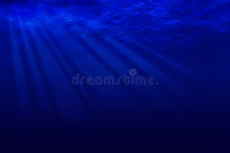 Raggi di luce della luna attraverso l'acqua dell'oceano royalty illustrazione gratis