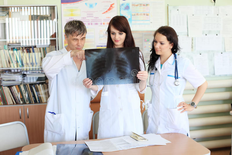 Raggi X di Studing immagini stock