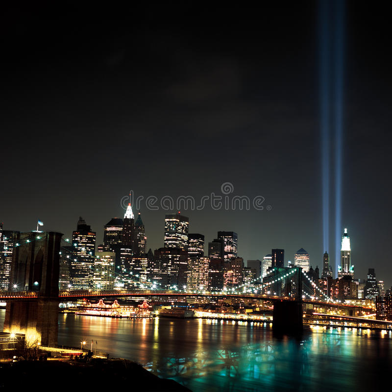 Raggi luminosi del World Trade Center 9 / 11 immagini stock