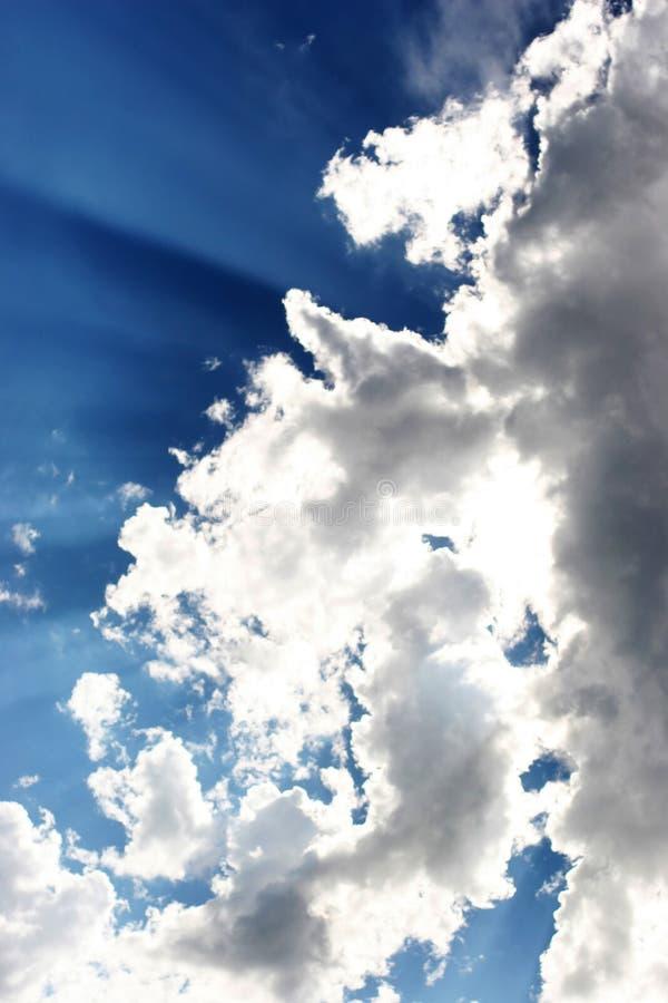 Raggi in nube immagine stock