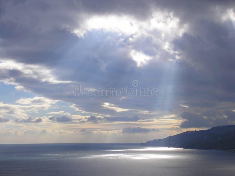 Raggio di Sun dopo l'uragano fotografie stock
