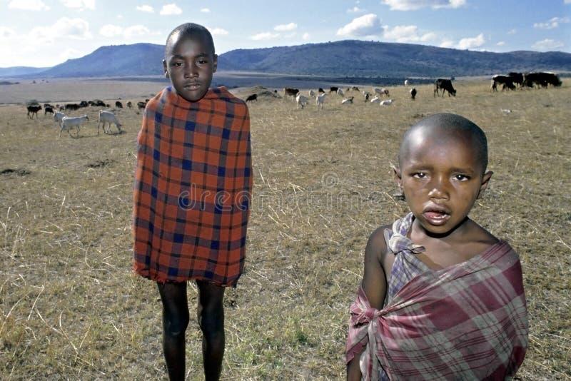 Raggruppi il ritratto di giovani mandriani di Maasai, Kenya immagine stock libera da diritti