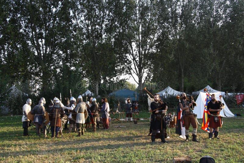 Ragnarok - los hermanos de Viking - 28-30 de septiembre de 2018 - ` Adda de Casirate d - BG - Italia fotografía de archivo