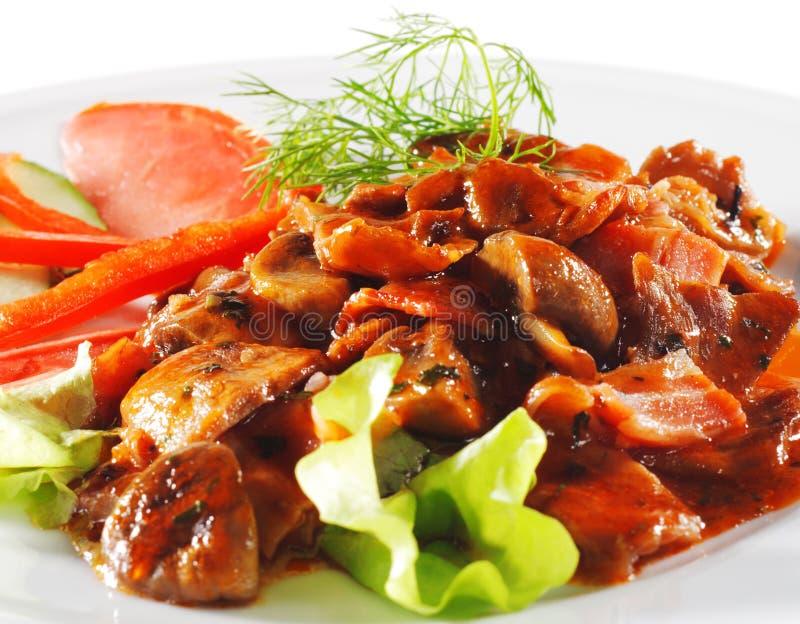 ragoût chaud de champignon de couche de viande de paraboloïdes de boeuf images libres de droits
