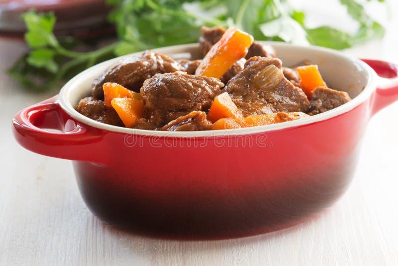 Ragoût de boeuf avec la carotte photo stock