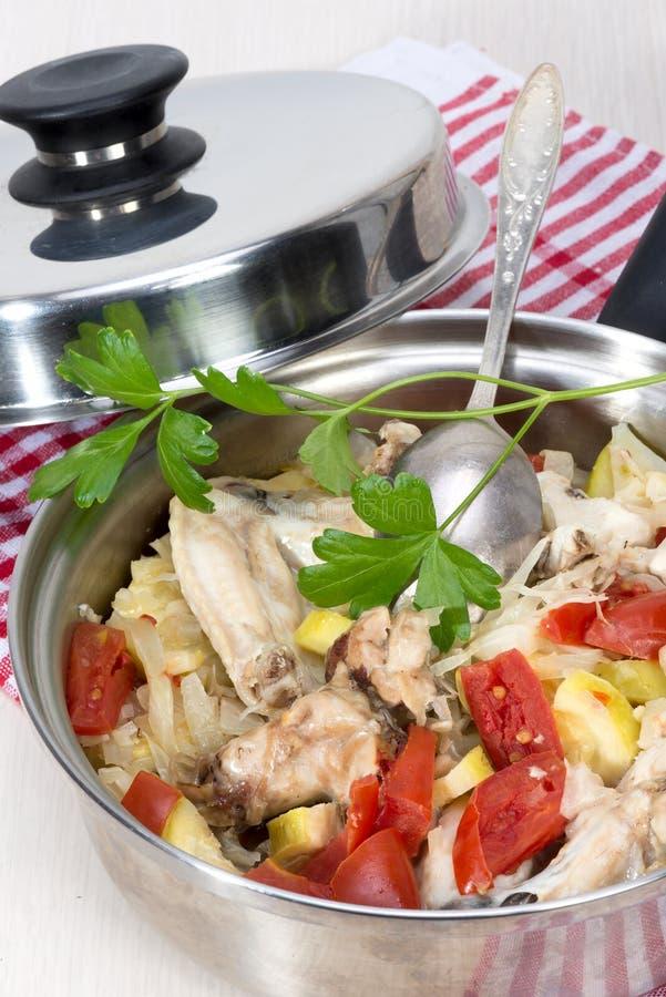 Ragout овощей с цыпленком сварил в своем собственном соке стоковые фотографии rf