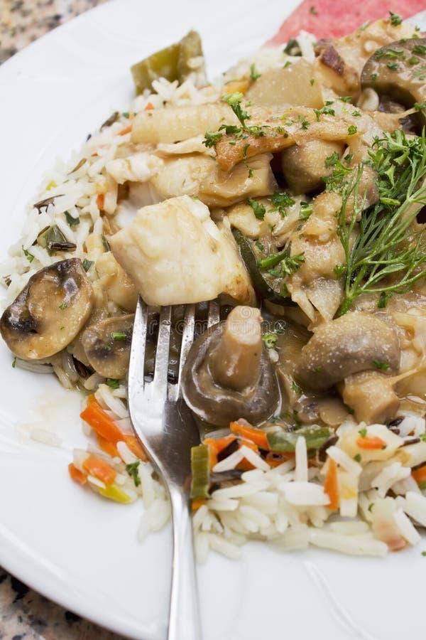 Ragout рыб с смешанными овощами и рисом стоковая фотография rf