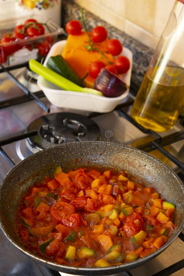 Ragu vegetal para a massa fotos de stock royalty free