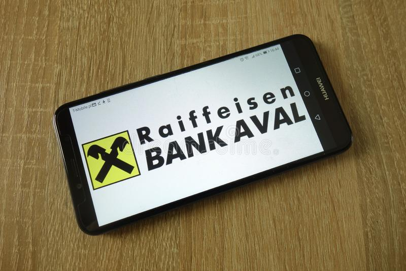Raiffeisen Bank Aval-Logo zeigte auf Smartphone an stockfoto