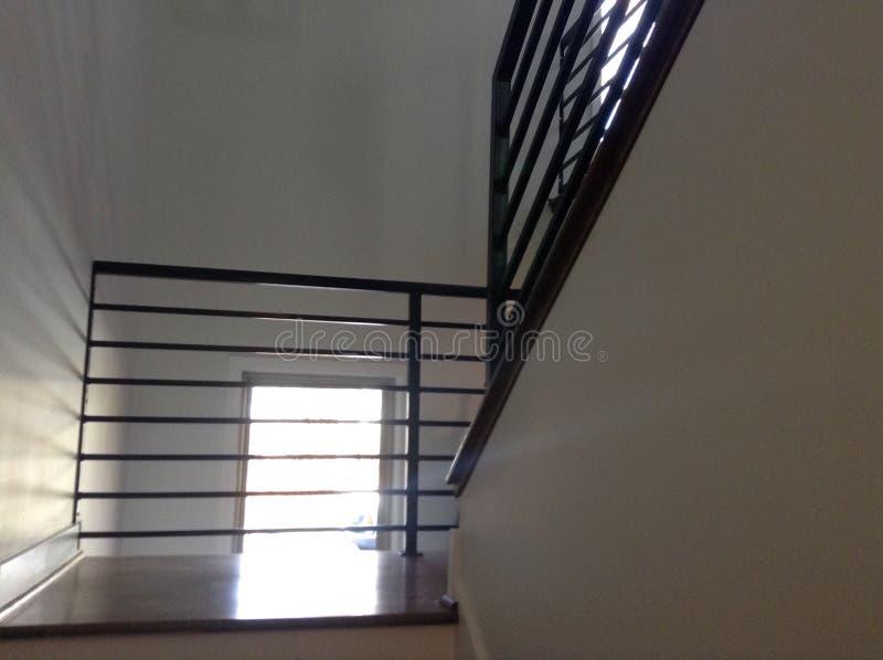Rail d'intérieur d'escalier images stock
