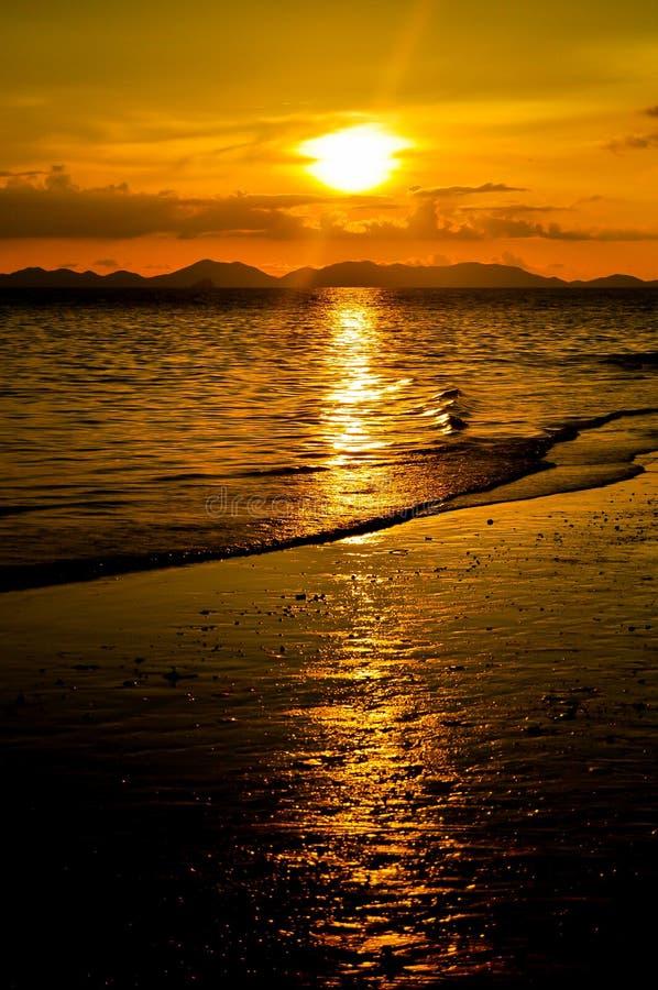 railay заход солнца стоковые изображения