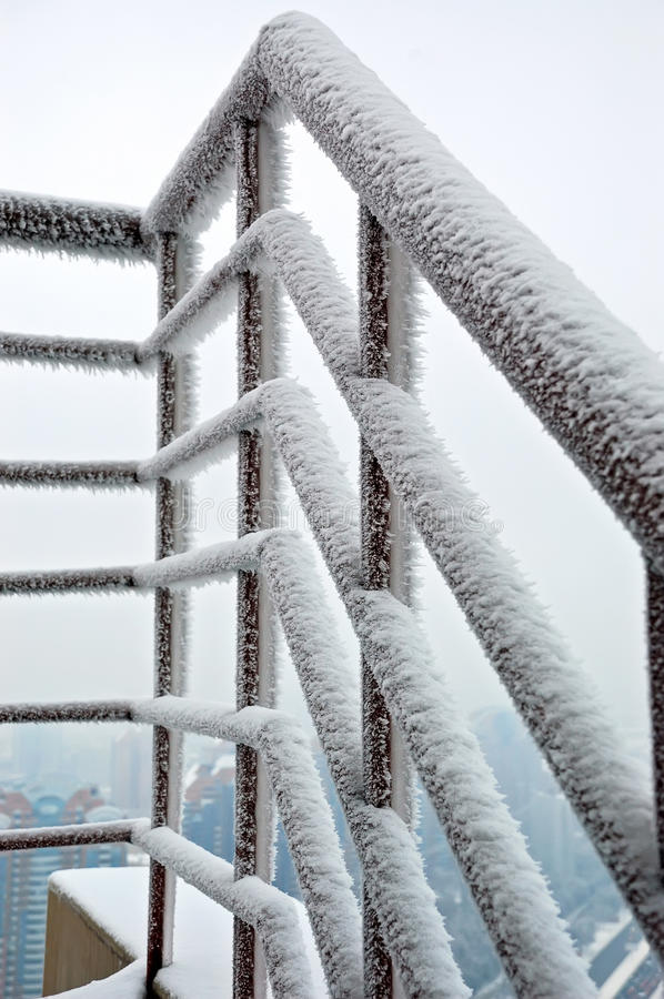 Railing in snow royalty free stock photos