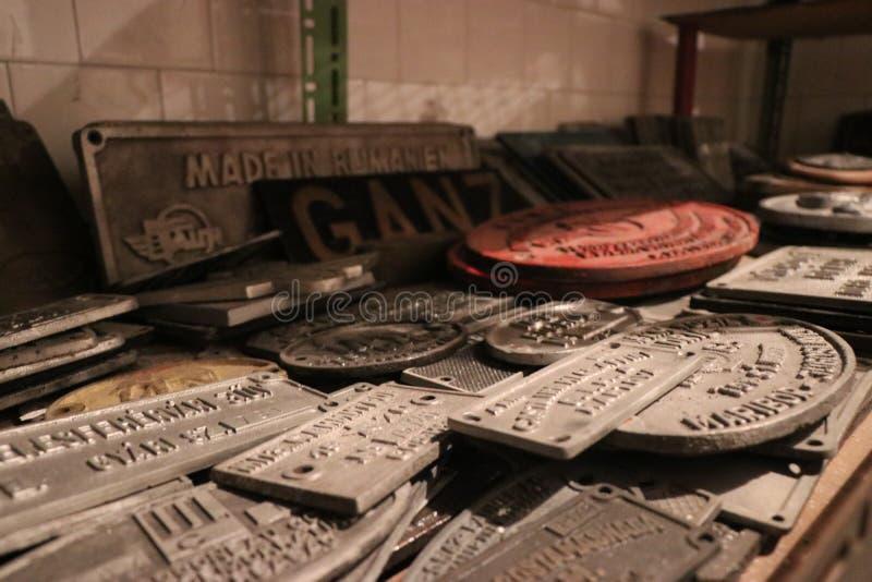 Railjet-plakett von den alten Lokomotiven stockfotos