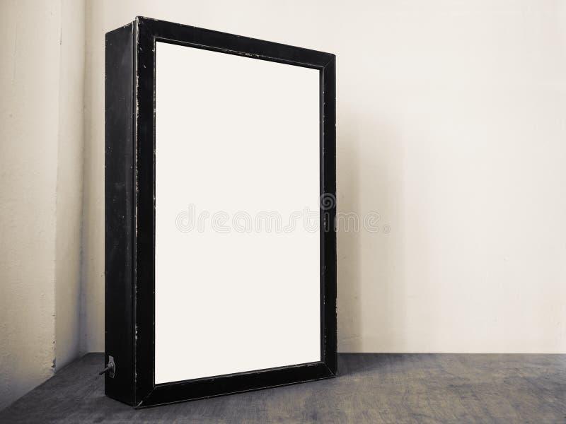 Raillez vers le haut de la technologie d'intérieur de media de cadre de noir de caisson lumineux de panneau d'affichage images libres de droits