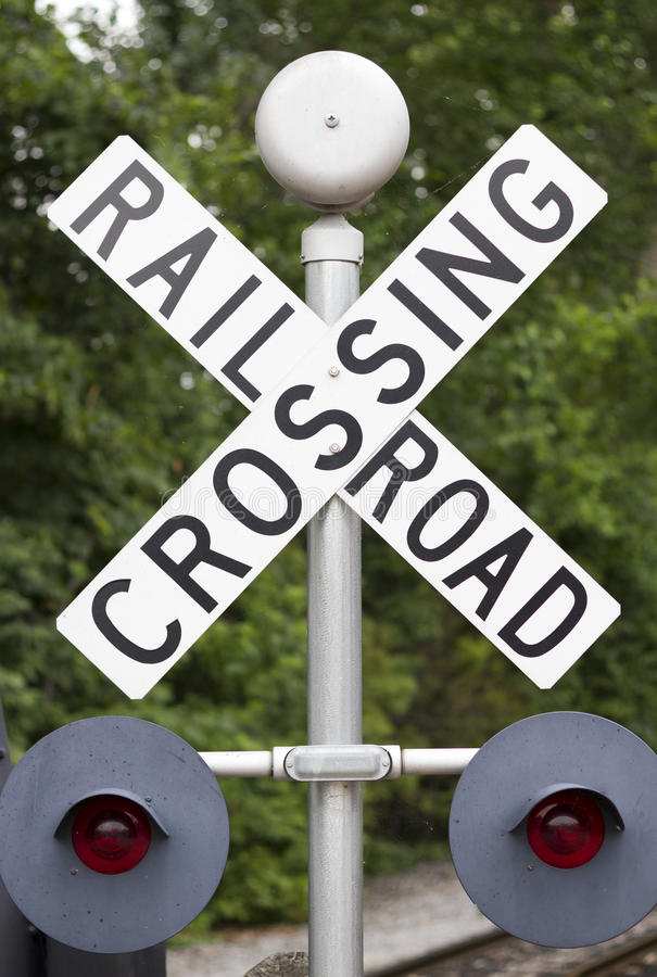 Free Railroad Crossing Sign Royalty Free Stock Photography - 16271687