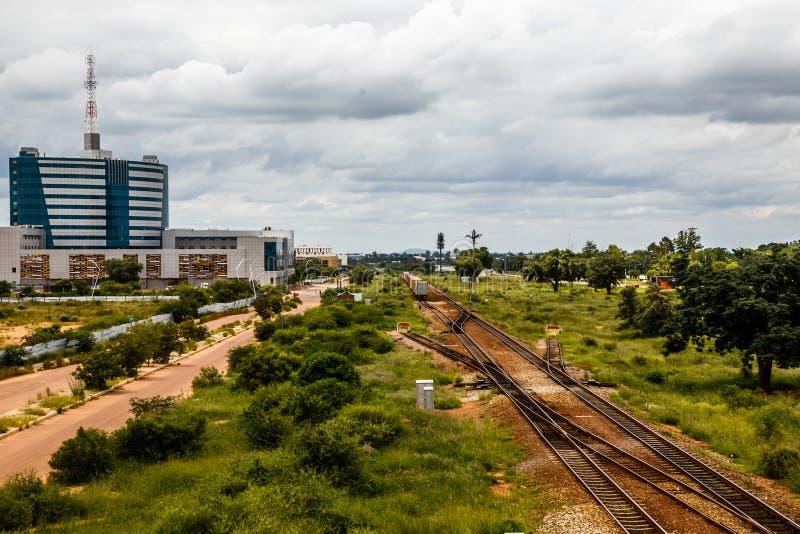 Railroad et district des affaires central se développant rapidement, Gabor images stock