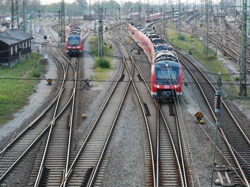 Railroad a infraestrutura para bens e sistema de transporte do passageiro imagens de stock