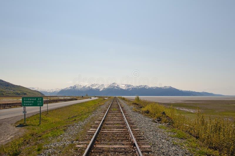 Railroad zu den Bergen stockfotos