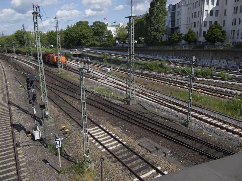 Download Railtracks i bussgarage fotografering för bildbyråer. Bild av station - 78732313