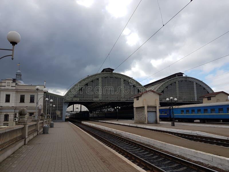 Railwail station av den Lviv staden i Ukraina royaltyfri fotografi