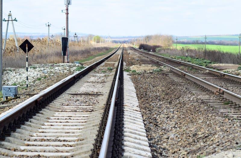 railways Железная дорога для поездов Стальные рельсы стоковая фотография rf