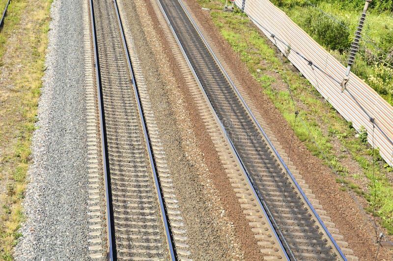 railways r Предпосылка с железнодорожными путями Концепция междугородной связи, миграции, перемещения стоковое фото