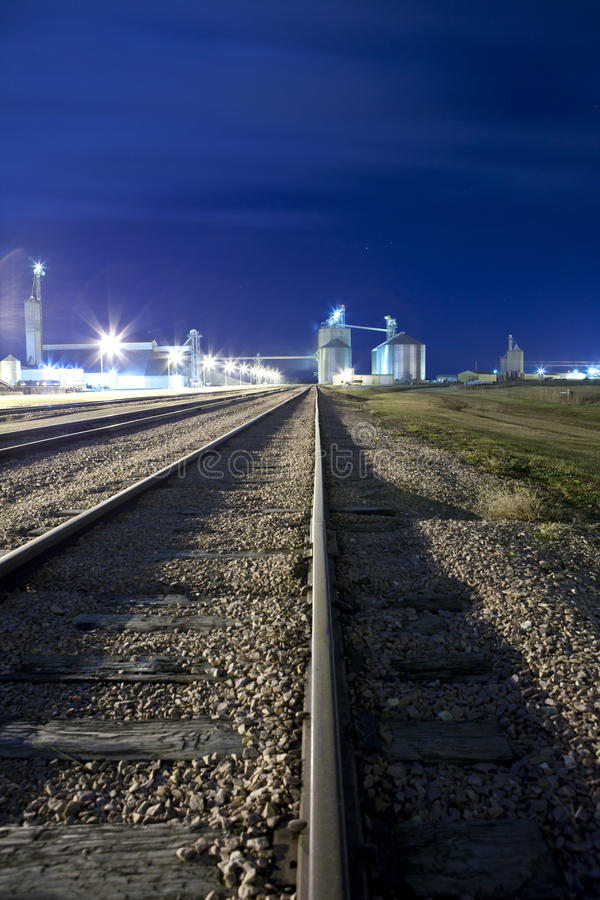 Free Railyard And Grain Silos Royalty Free Stock Images - 12141039
