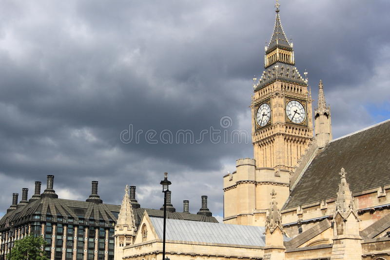 Download Rain Clouds Approaching London Royalty Free Stock Images - Image: 20610279
