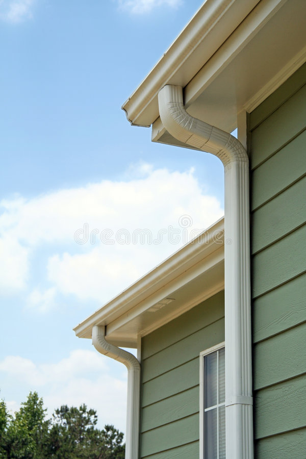 Free Rain Gutters On A Home Royalty Free Stock Photo - 890575