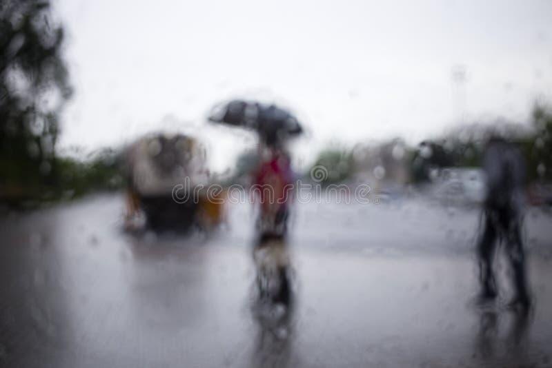 Raindrop op het glas stock foto's