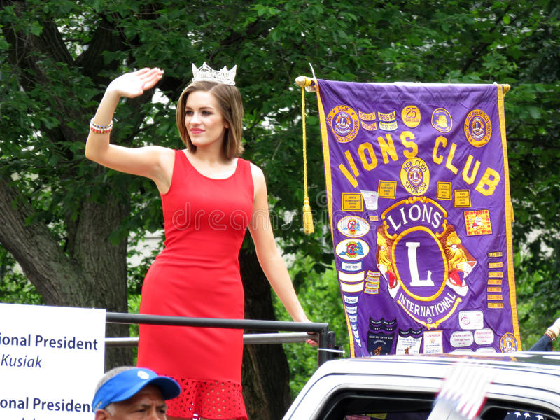Rainha da beleza na parada de Memorial Day foto de stock