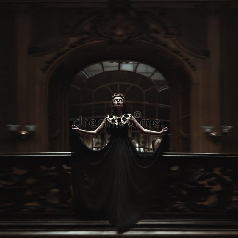 Rainha. Mulheres da forma foto de stock royalty free